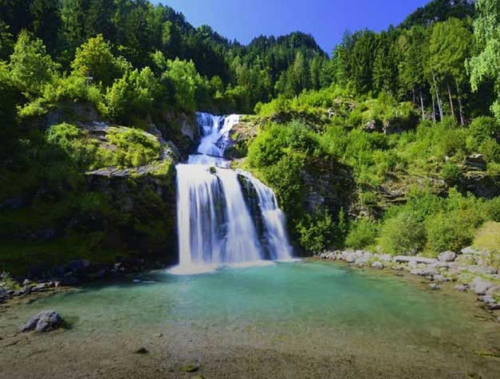 Faido e la cascata Piumogna